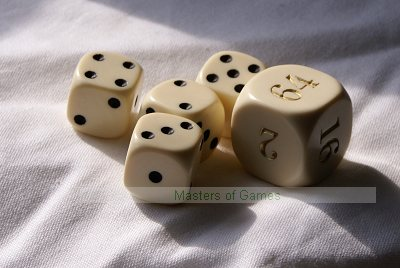 Dal Negro Doubling Cube (22mm) and 4 white Dice (16mm)