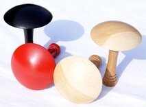 Set Bar Billiards mushrooms (2 natural wood, 1 red, 1 black, flat underside)