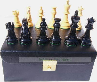Jester 10 x 10 Chess set - Black/Natural in Leather Box