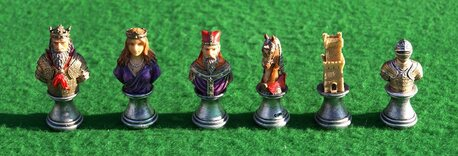 Italfama Medieval Busts Chess Pieces - Resin, Hand-Painted