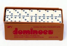 Double 6 dominoes (11mm) with spinners