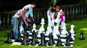 Rolly Giant Chess Set