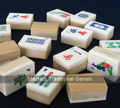 Large aged Bamboo & Bone Mah Jong set - inlaid Marquetry box