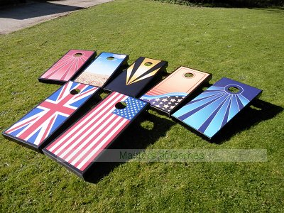 Cornhole - Full Deluxe Set (2 boards, 8 bags, scoreboard)