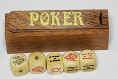 Poker Dice in wooden box