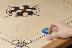 Atelier Radscha Carrom Board - black & red, star design