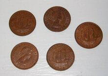 Set of 5 old English ha'pennies